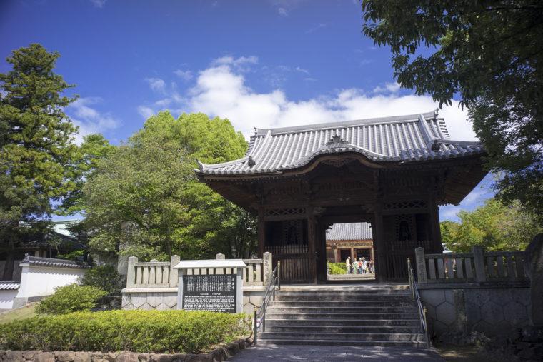 屋島寺の裏門
