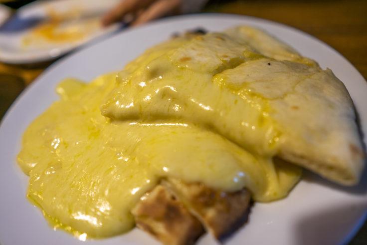 サムジャナのチーズナン