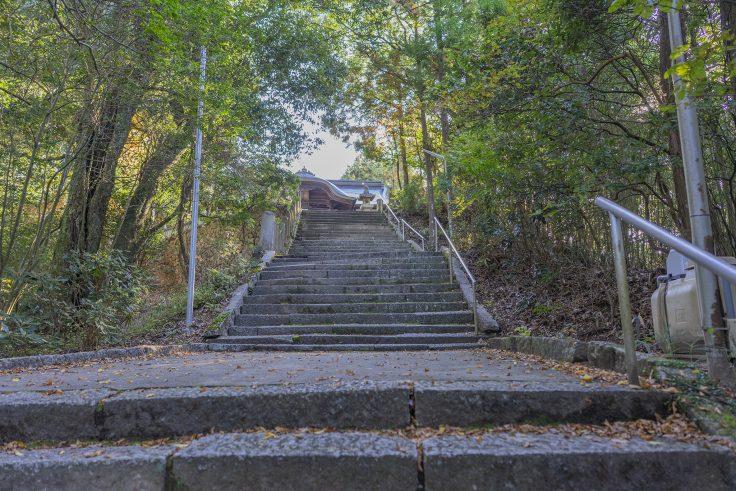 岩部八幡神社石段