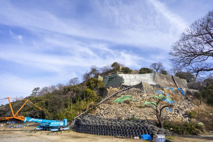 丸亀城の崩落した石垣