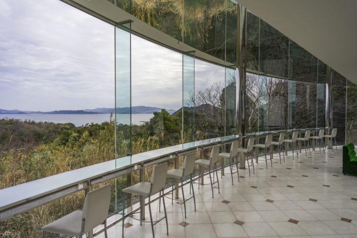 鳴門ガレの森美術館から見た海
