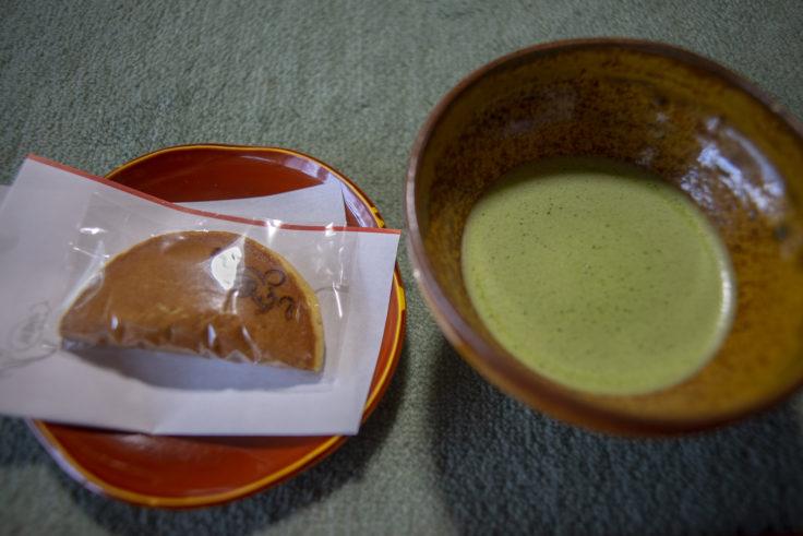 退蔵院の抹茶とお菓子