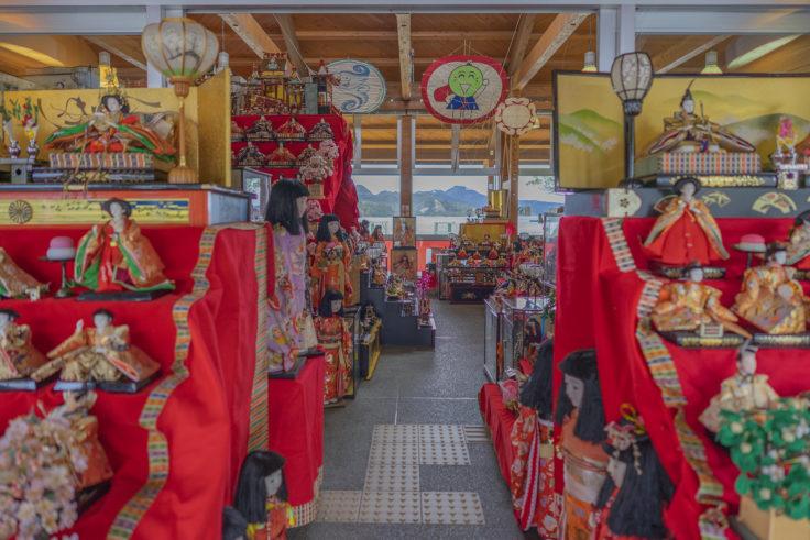 ウチノ海総合公園のひな人形
