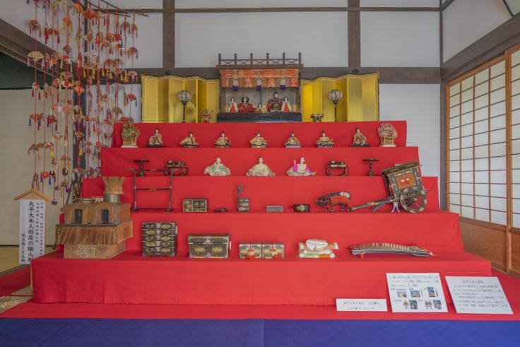 讃州井筒屋敷の丸平大木人形店のひな人形