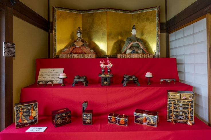讃州井筒屋敷の古今雛