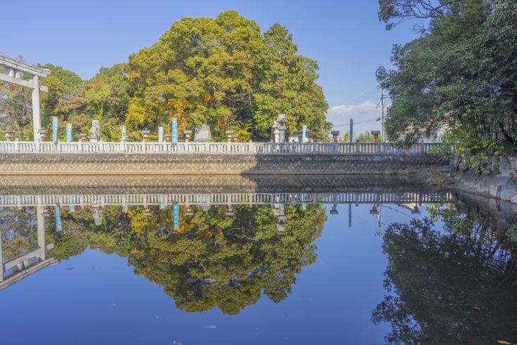 冠纓神社の厳島神社から見た表参道