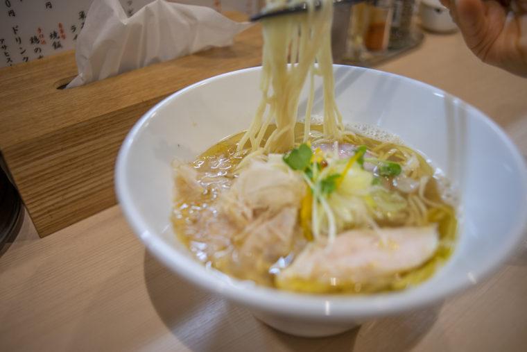らぁ麺今出川の鶏塩ラーメンリフトアップ