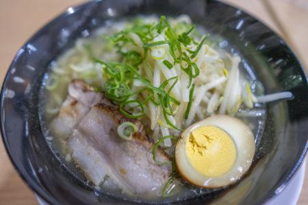麺屋津二郎の塩ラーメン