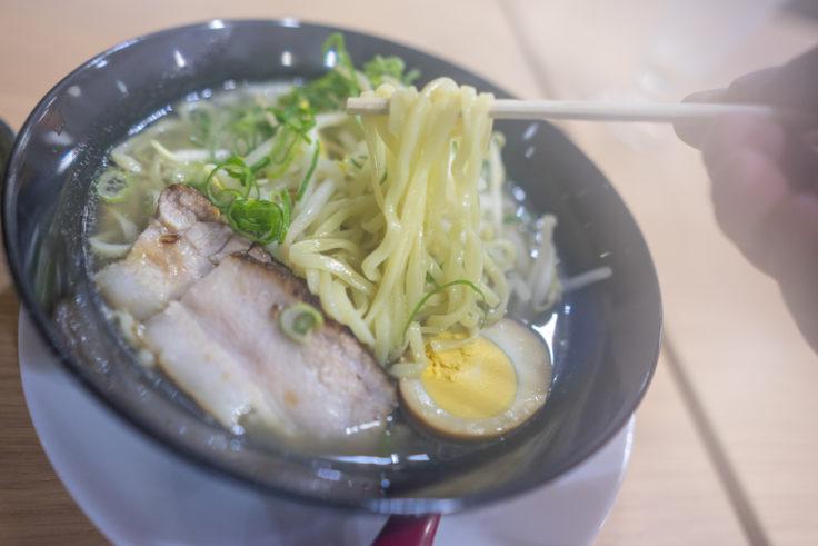 麺屋津二郎の塩ラーメンリフトアップ