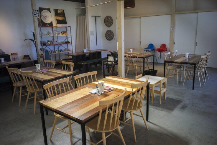 MUCCAの室内飲食スペース