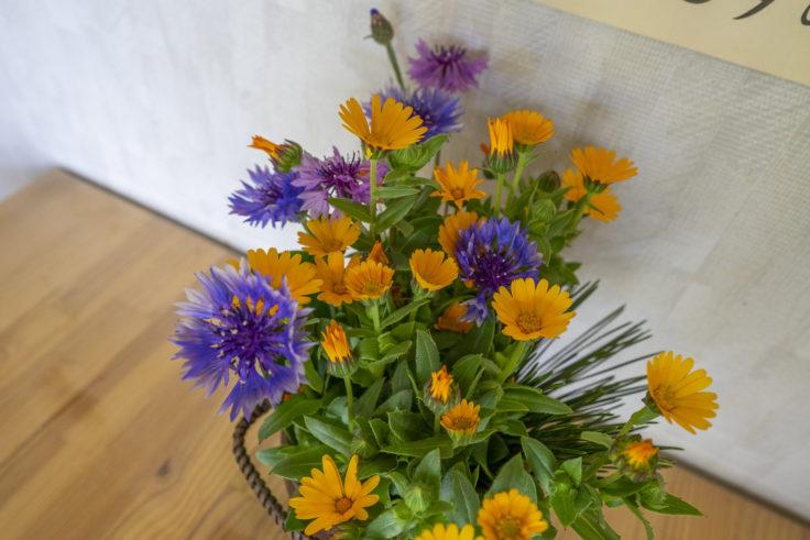 餃子工房古谷のテーブルの花