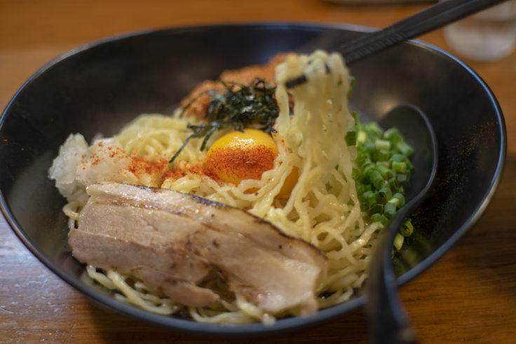 麺屋軌跡の台湾風塩ラーメンリフトアップ