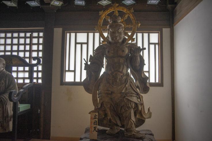 法然寺三仏堂の広目天