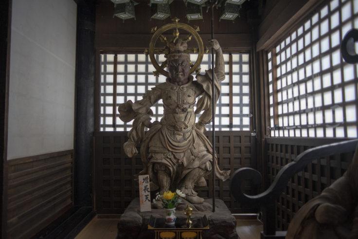 法然寺三仏堂の増長天