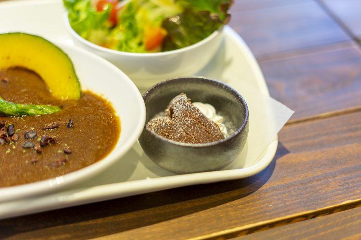 ジャラクの玄米カカオカレーについているショコラ