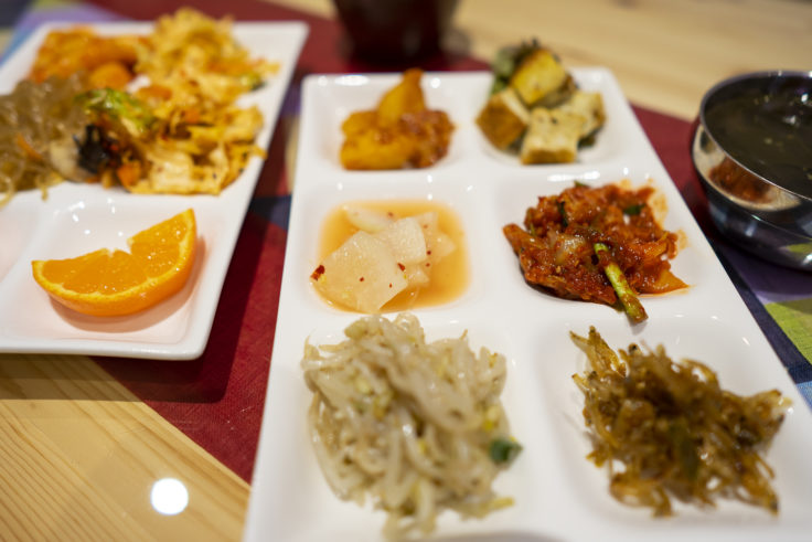 魚谷キムチのごはんやさんのお惣菜ビュッフェ