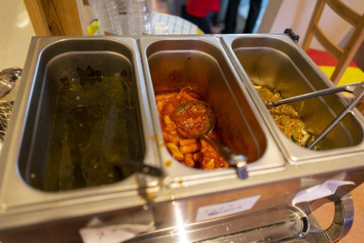 魚谷キムチのごはんやさんのお惣菜ビュッフェ2