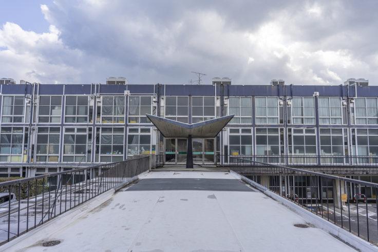 鳴門市庁舎正面