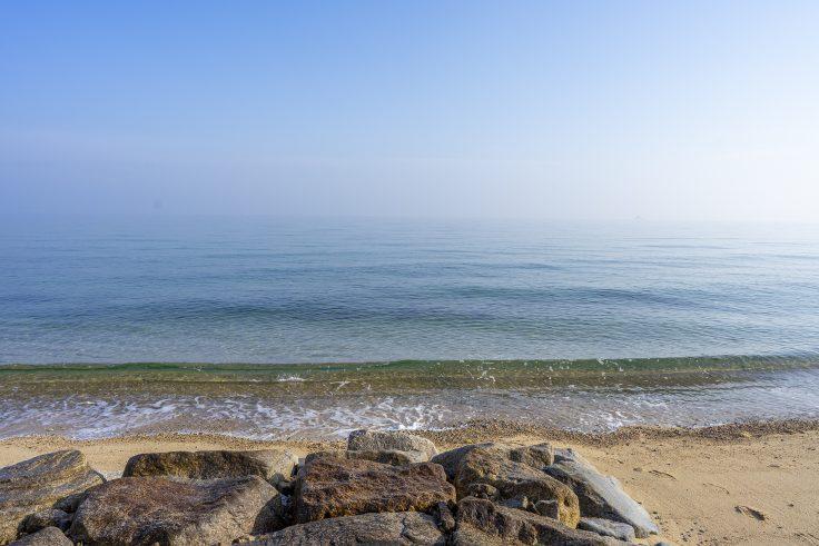 横内海岸の砂浜2