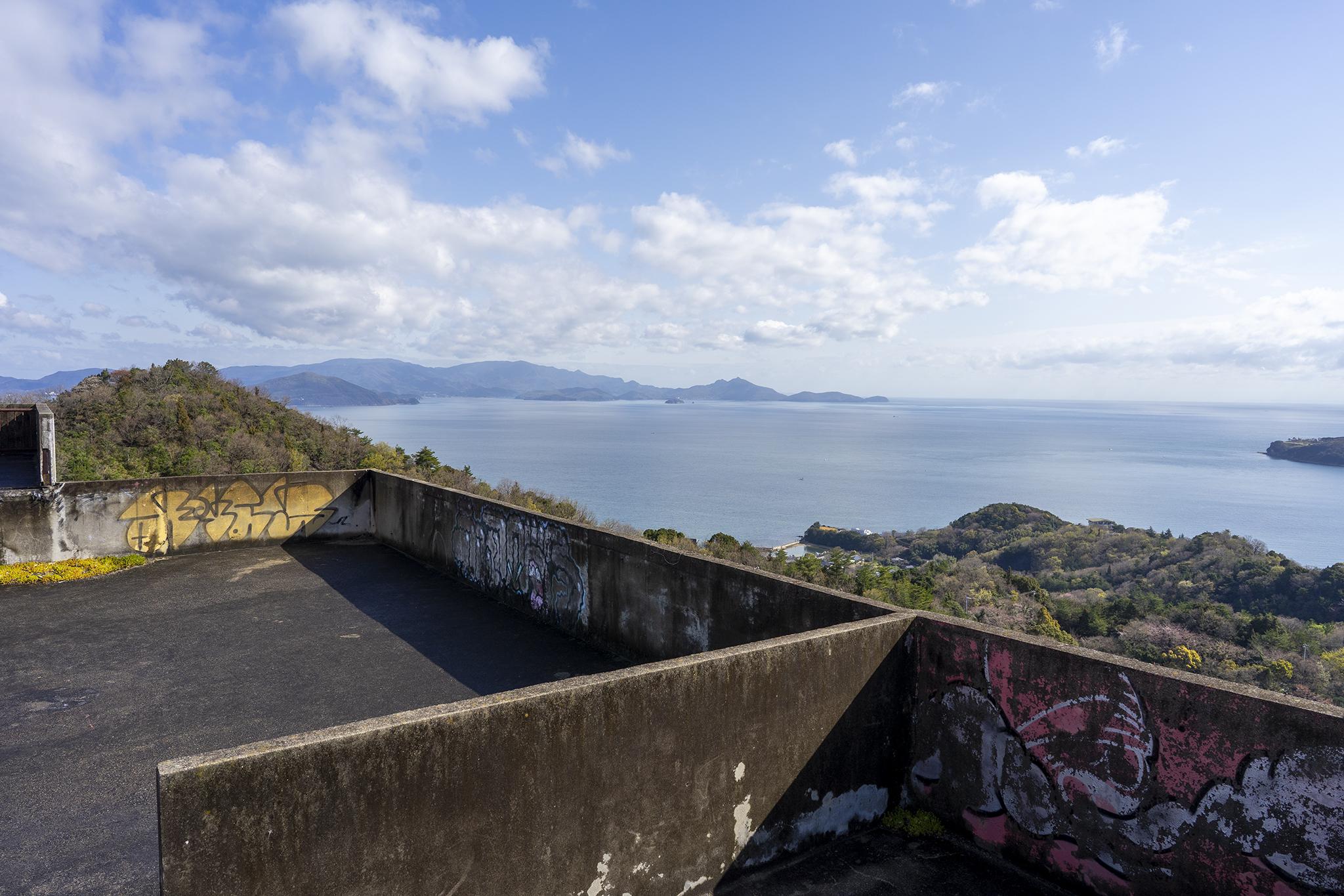 日盛山の廃墟から見た瀬戸内海