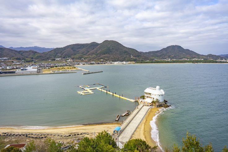 うのべ山から見た日本ドルフィンセンター
