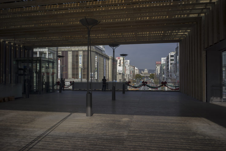 姫路駅ビルから見た姫路城