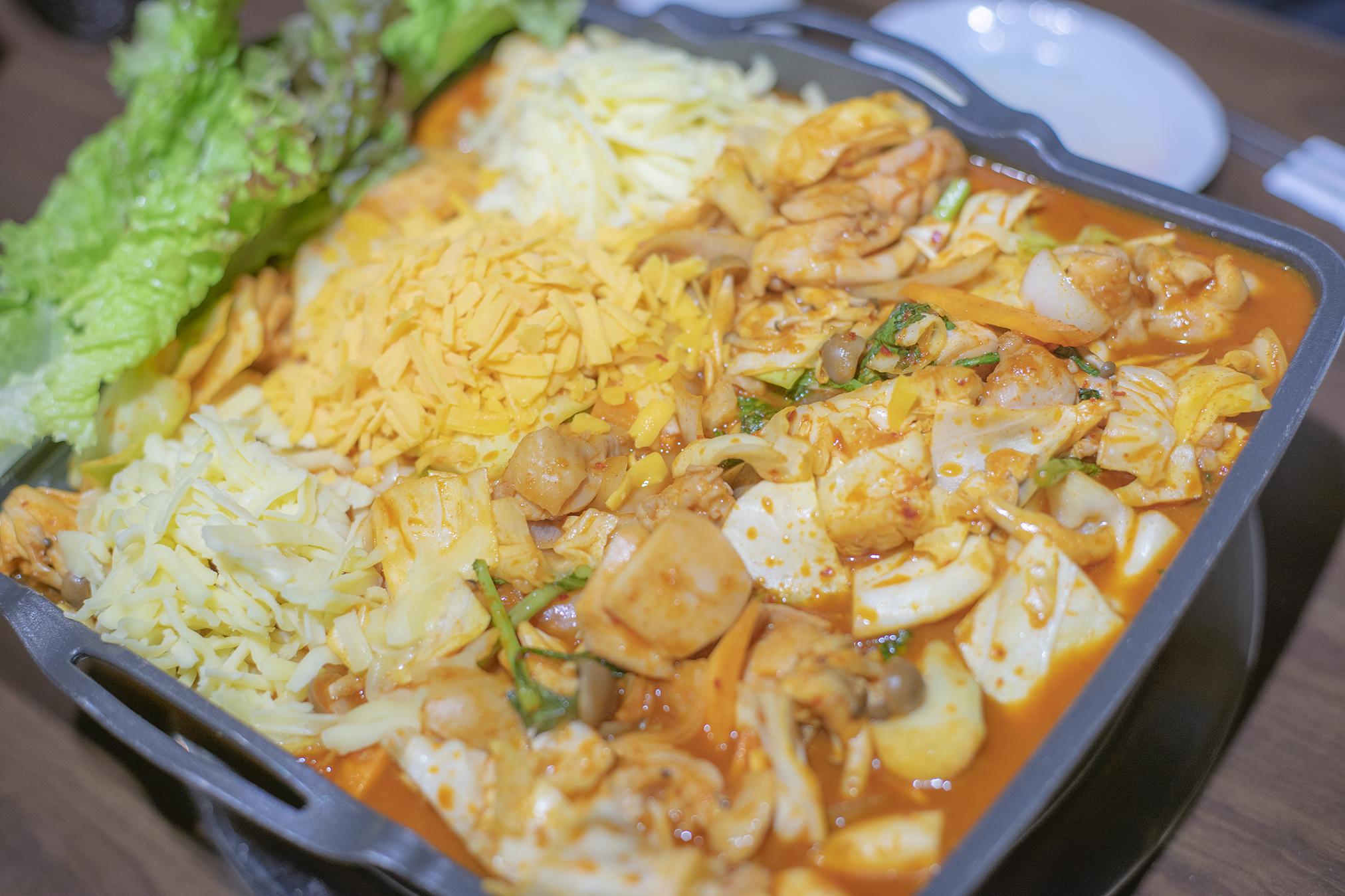 高松市の韓国料理「双六」の「チーズダッカルビ」