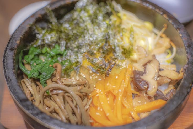 韓国料理双六の石焼ビビンバ