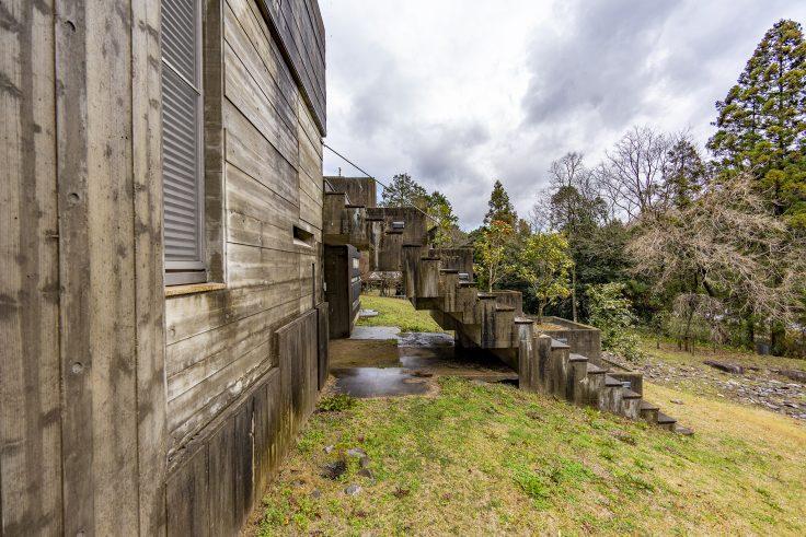 椿の城階段