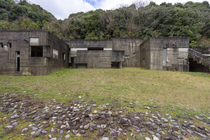 椿の城外観