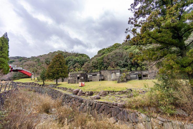 椿の城外観2