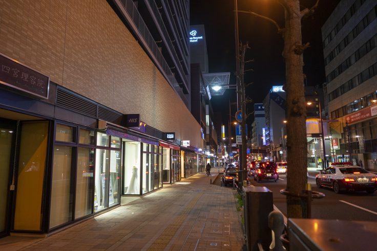 夜の高松市