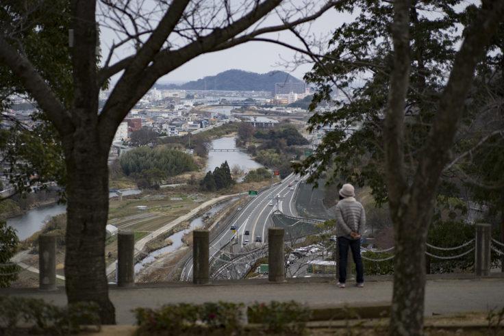 徳島県文化の森総合公園ウォーキングする人