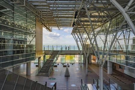 高松シンボルタワー4階から見た瀬戸内海2
