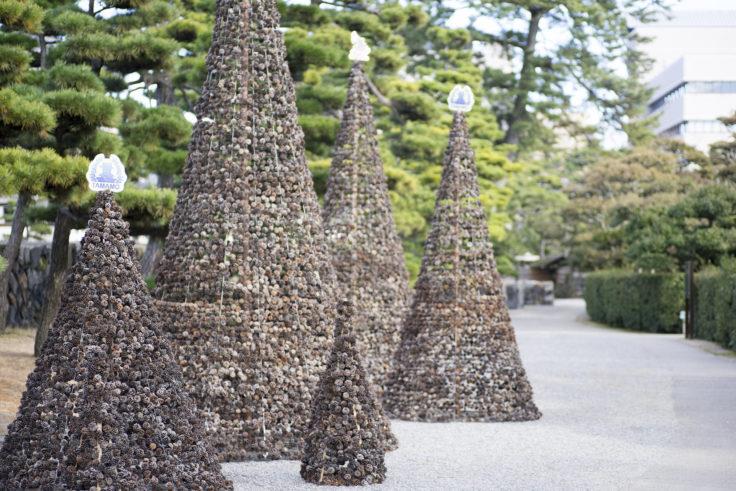 玉藻公園松ぼっくりツリー