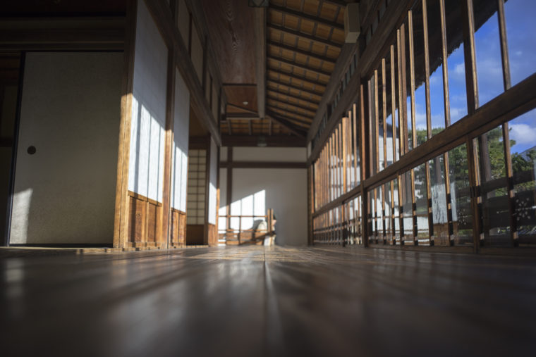 披雲閣2階の廊下