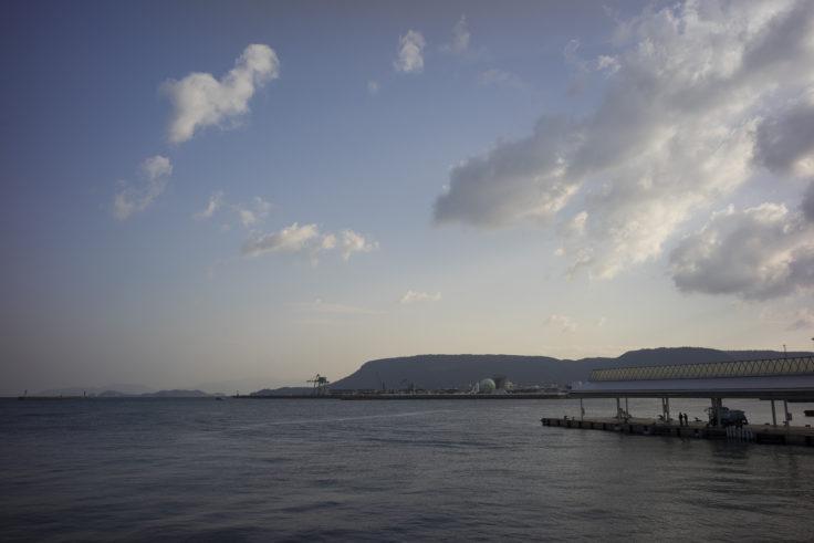 サンポート高松からの屋島