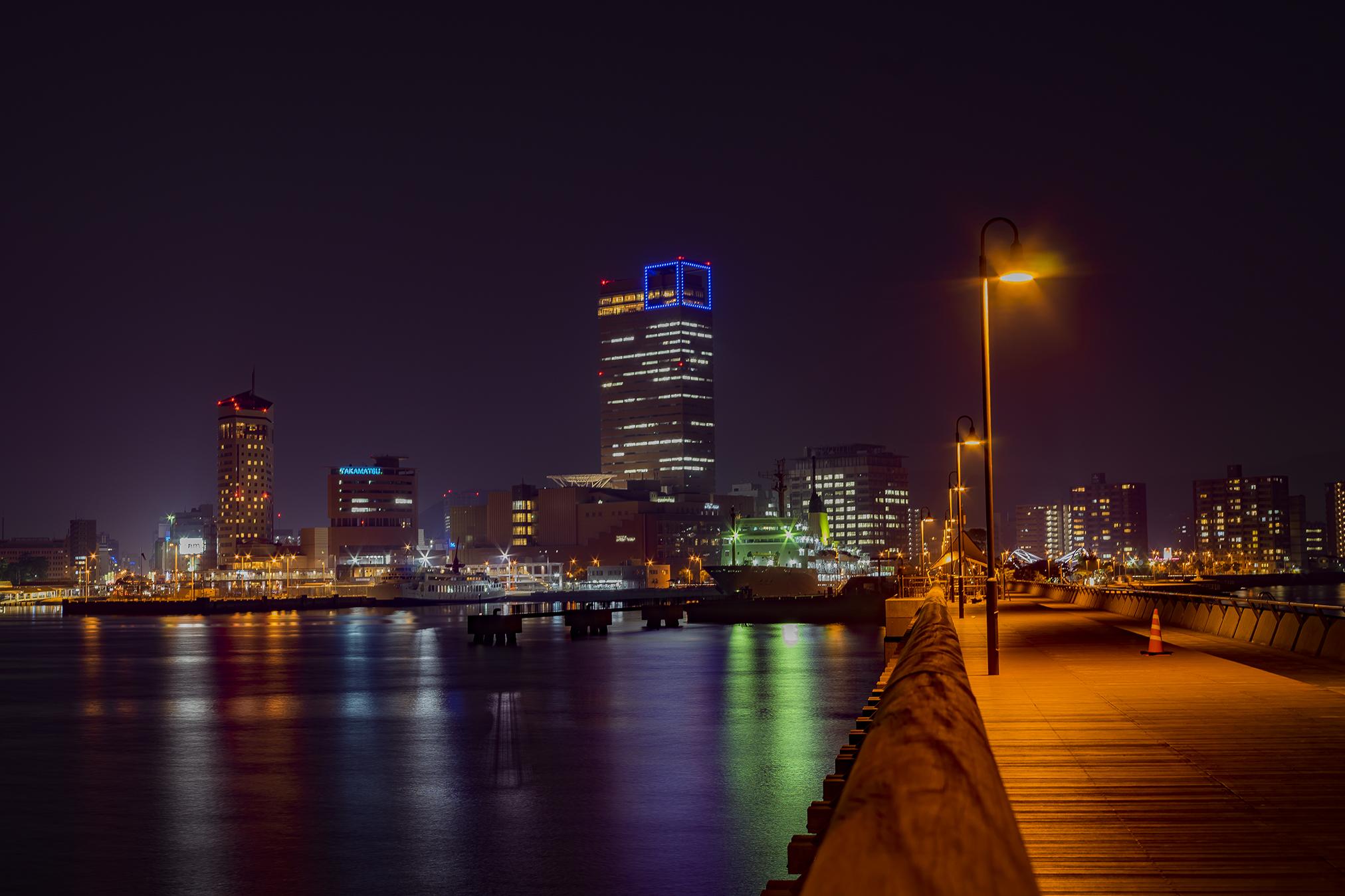 夜の高松シンボルタワーをいろんな角度から撮影してみた