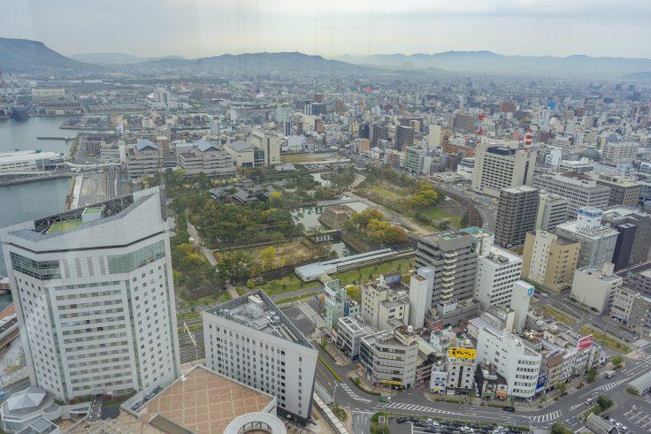 高松シンボルタワーから見た玉藻公園