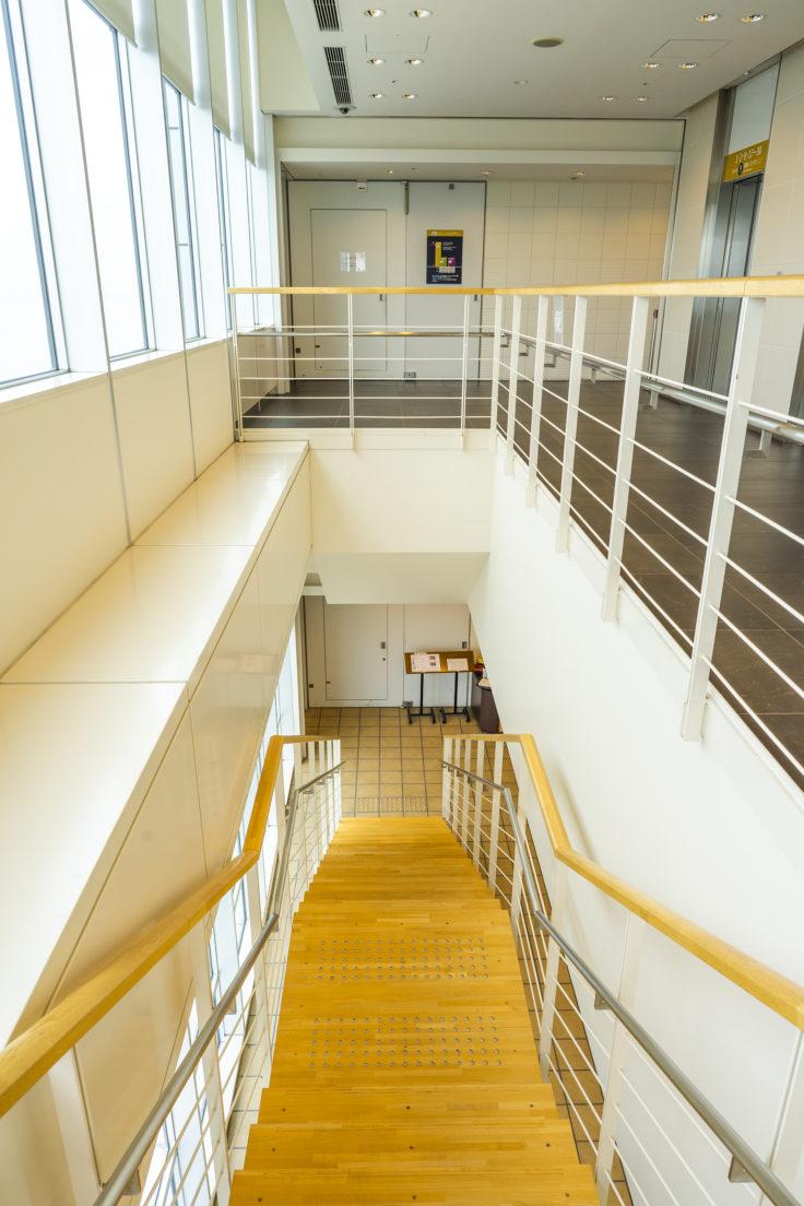 高松シンボルタワー30階の階段