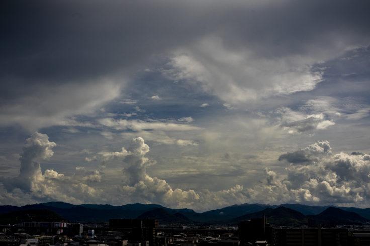 讃岐平野の積乱雲