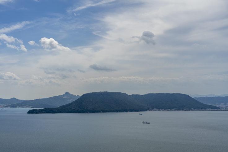 鷲ヶ峰展望台から見た屋島