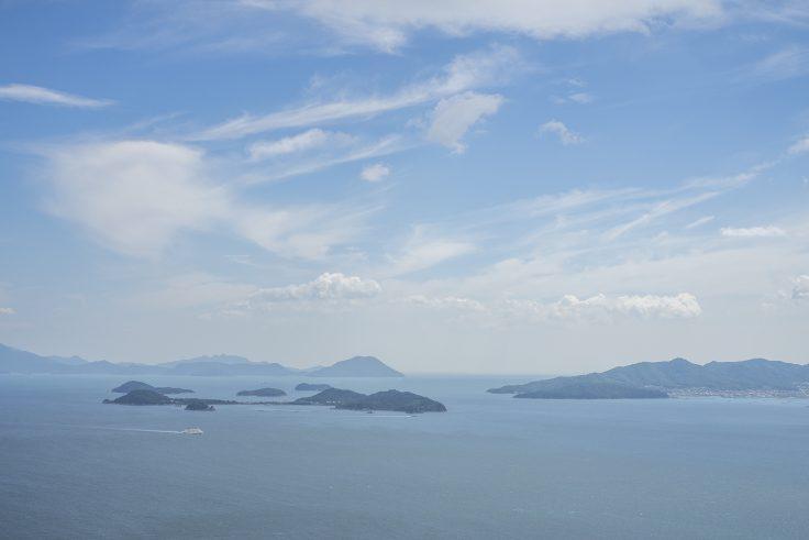 鷲ヶ峰展望台から見た大島