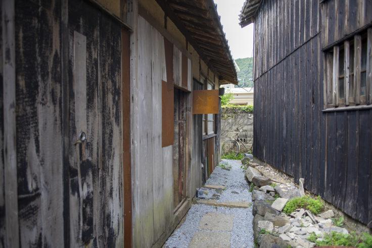 女木島「MEGI HOUSE」入り口
