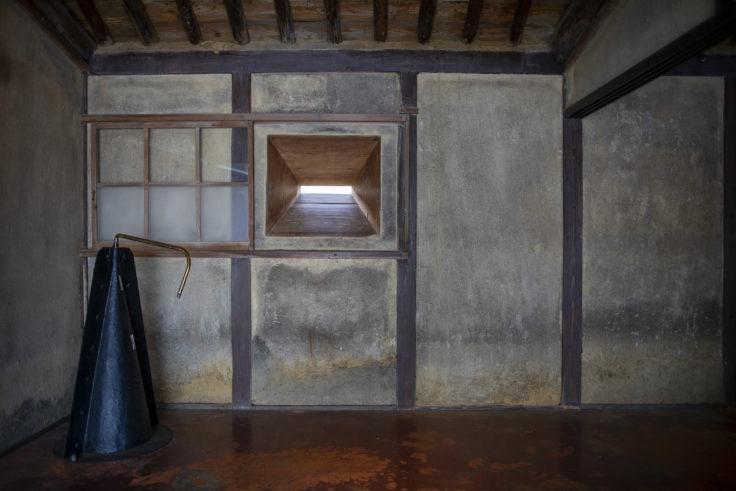女木島「MEGI HOUSE」壁