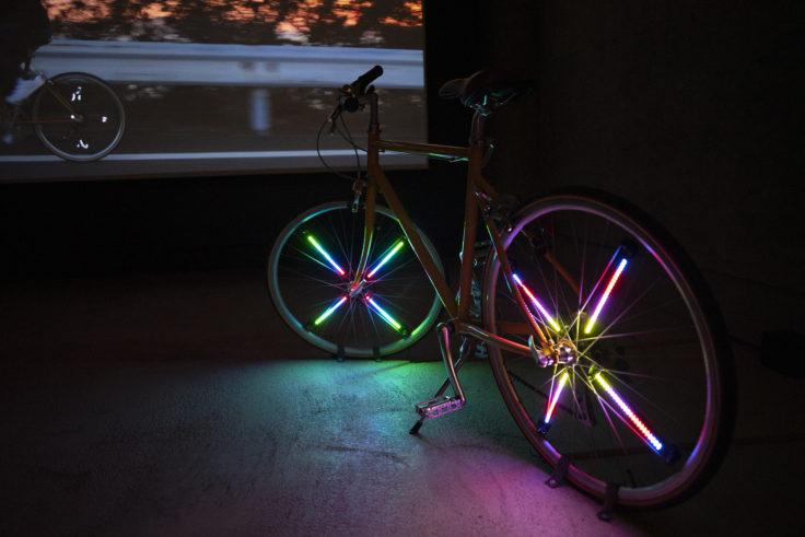 女木島「世界はどうしてこんなに美しいんだ」自転車