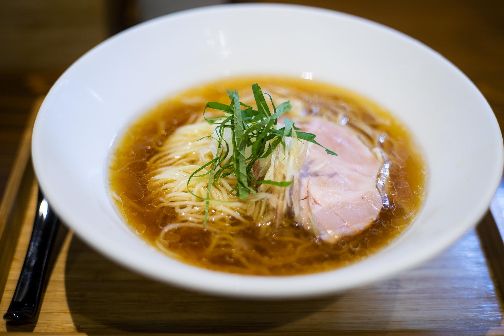 『らぁ麺すずむし』の「中華そば」「冷やしラーメン」は美味しい!
