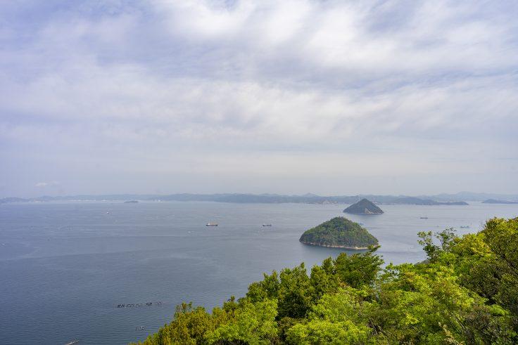 小槌島(手前)、大槌島(奥)