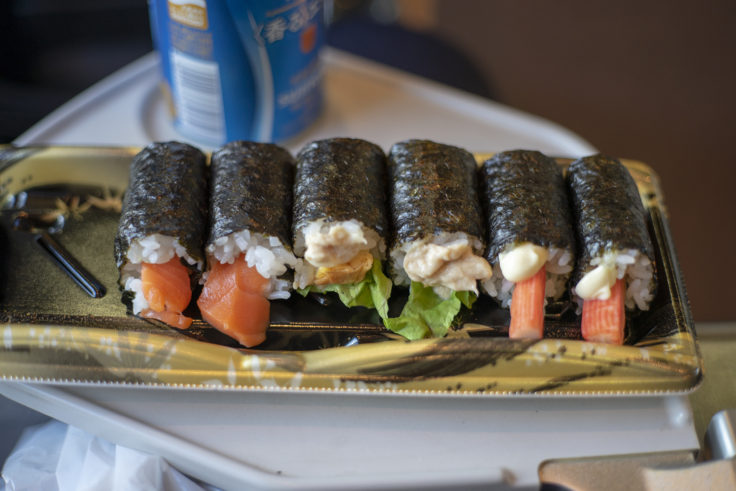 マリンライナーで巻き寿司
