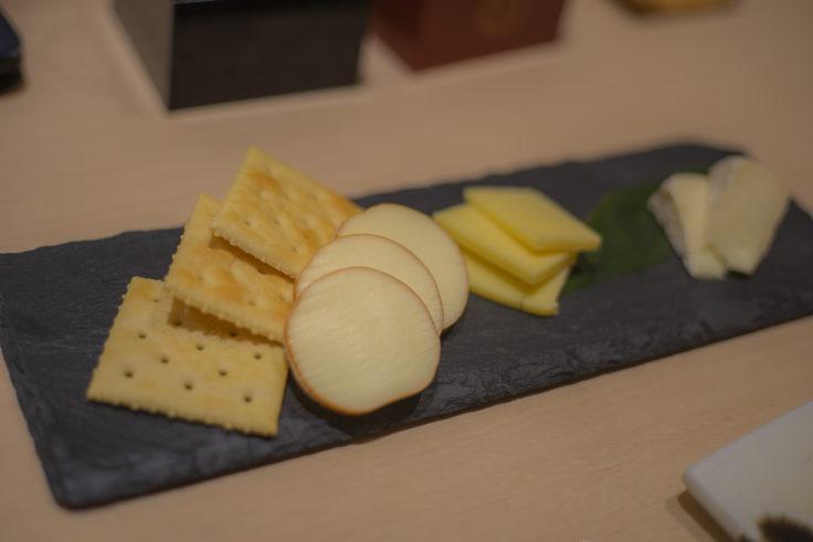 いろどりでチーズ3種盛